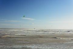 Kitesurfing w burzy zdjęcie stock