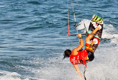 Kitesurfing w lecie Zdjęcie Stock