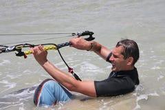 Kitesurfing. Wasser-ssen Sie anla. Stockfoto