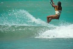 Kitesurfings mulat vrouw Royalty-vrije Stock Afbeeldingen
