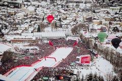 KitzbÃ-¼ Hel Hahnenkamm abschüssiger Ski Race lizenzfreies stockbild
