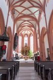 Kitzingen, Germania - luglio 2018 La chiesa luterana in Germania dell'interno immagine stock
