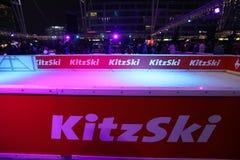Kitzski Lodowy lodowisko, boże narodzenia Wprowadzać na rynek w Monachium lotnisku, Niemcy obraz stock