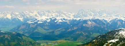 从Kitzsteinhorn冰川的Panaramic视图 免版税库存图片