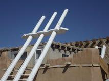 Kiva-Leiter in Acoma-Pueblo, New Mexiko Lizenzfreies Stockfoto