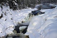 Kivach siklawa w zimie. Fotografia Royalty Free