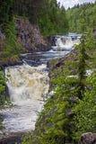 Kivach-Wasserfall Lizenzfreie Stockfotos
