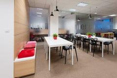 Kivvi建筑师创造的办公室内部,布拉索夫,斯洛伐克 免版税库存图片