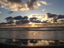 Kiwanda Oregon plaża z Pięknym zmierzchu niebem zdjęcia royalty free