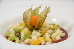 Kiwi del postre de la dieta de la ensalada de fruta Imagen de archivo