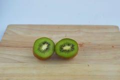 Kiwi, diapositiva de la fruta de kiwi aislada Fotos de archivo