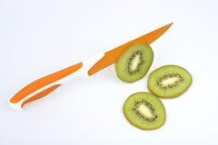 Kiwi e kniffe Fotografia Stock Libera da Diritti