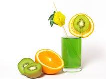 Kiwi e succo di arancia Fotografia Stock