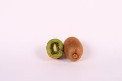 Kiwi et moitié de kiwi Image stock