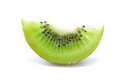 Kiwi, fetta di qiwi isolata su fondo bianco Fotografia Stock Libera da Diritti