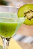 Kiwi-Frucht-Getränk lizenzfreie stockfotografie
