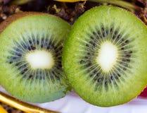 Kiwi Fruit Indicates Kiwifruit Kiwis och frukter royaltyfri foto
