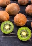Kiwi Fruit mezzo Fotografia Stock Libera da Diritti