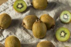 Kiwi Fruit organico verde crudo Fotografia Stock Libera da Diritti