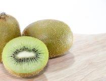 Kiwi Fruit vitbakgrund Fotografering för Bildbyråer
