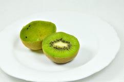Kiwi Fruits divisé en deux Image stock