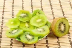 Kiwi geschnitten Stockbild