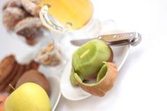 Kiwi, manzanas fotografía de archivo libre de regalías