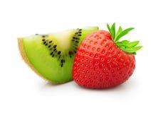 Kiwi och jordgubbe Arkivfoton