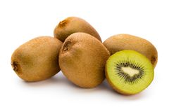 Kiwi owoc i pokrajać odosobniony na białym tle Obrazy Stock