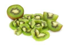 Kiwi owoc kawałek plasterek halfback pojedynczy białe tło zdjęcie stock