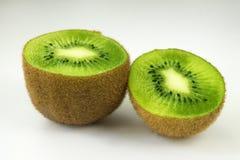Kiwi owoc na lekkim tle obraz royalty free