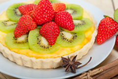 Kiwi and strawberry pie tart Stock Images