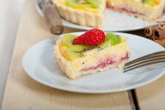 Kiwi and strawberry pie tart Royalty Free Stock Photography