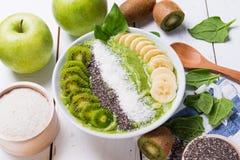 Kiwi szpinaka smoothie bananowy puchar Zdjęcie Stock