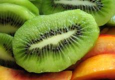 Kiwi und Nektarine stockfoto