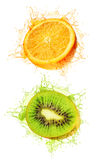 Kiwi und Orange machten naß Stockfoto