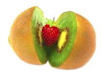 Kiwi y fresa Imágenes de archivo libres de regalías