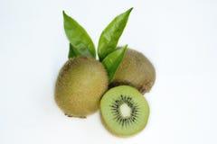 Kiwifruit in geïsoleerd stock foto