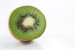 Kiwifruit mezzo immagini stock libere da diritti