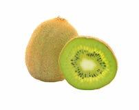 Kiwifruitscheibe lokalisiert auf einem weißen Hintergrund lizenzfreies stockbild