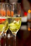Kiwii di vetro del partito di vetro della bevanda Immagini Stock Libere da Diritti