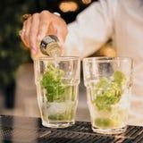 Kiwii di vetro del partito di vetro della bevanda Immagine Stock Libera da Diritti