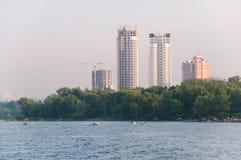 Kiyiv, Ucrânia, fins de semana no rio Fotografia de Stock