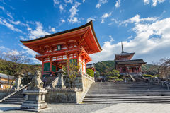 Kiyomizu Dera tempel i Kyoto, Japan Royaltyfri Fotografi