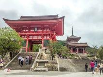 Kiyomizudera tempelport, Kyoto Arkivbild