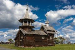 Kizhi wyspa, Petrozavodsk, Karelia, federacja rosyjska - Sierpień 20, 2018: Ludowa architektura i historia budowa o zdjęcie stock