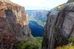 Kjeragbolten Noruega Foto de Stock Royalty Free