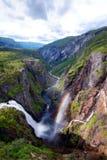 Kjeragbolten Norwegen lizenzfreie stockbilder