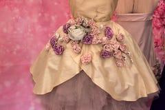 Klä med blommor Royaltyfri Foto