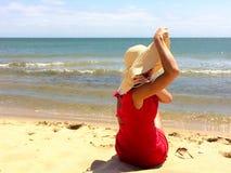 klädd röd kvinna Arkivfoton
